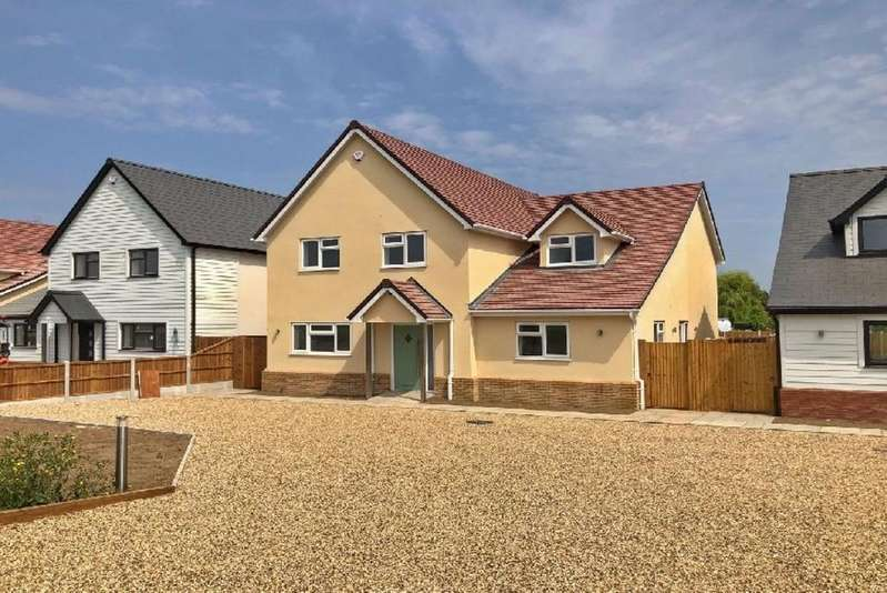 5 Bedrooms Detached House for sale in Bradfield Road, Manningtree