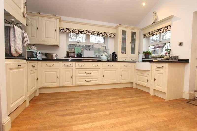 5 Bedrooms Semi Detached House for sale in Old School Lane, Tockholes, Darwen, BB3 0NN