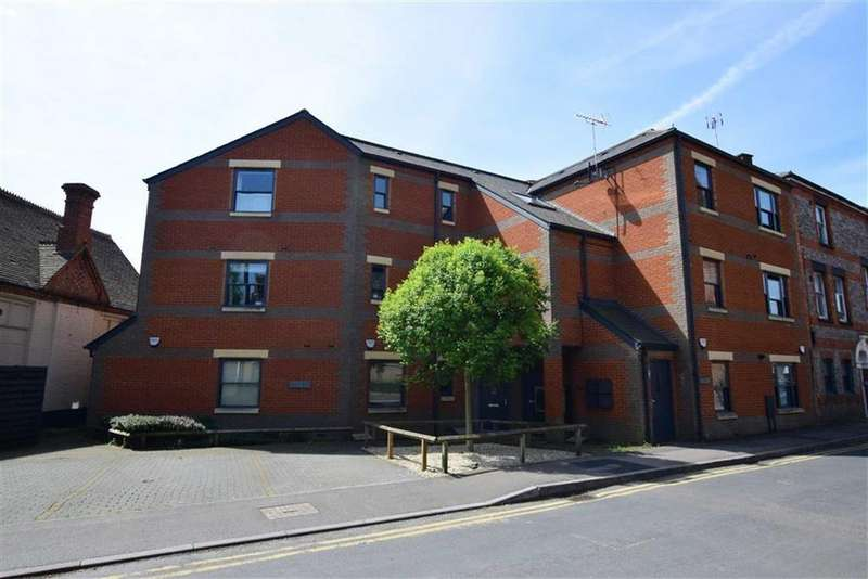 2 Bedrooms Apartment Flat for sale in Carlingford House, Gosbrook Road, Reading