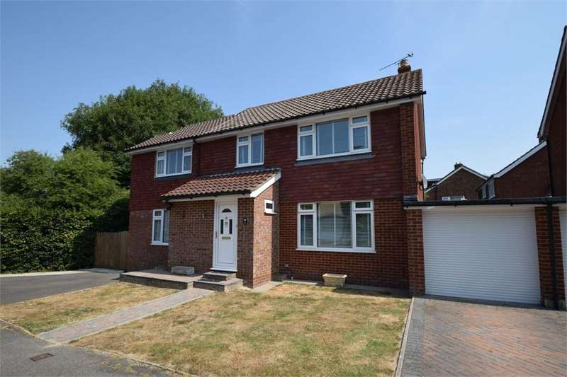 4 Bedrooms Detached House for sale in Winchester Way, Willingdon, East Sussex