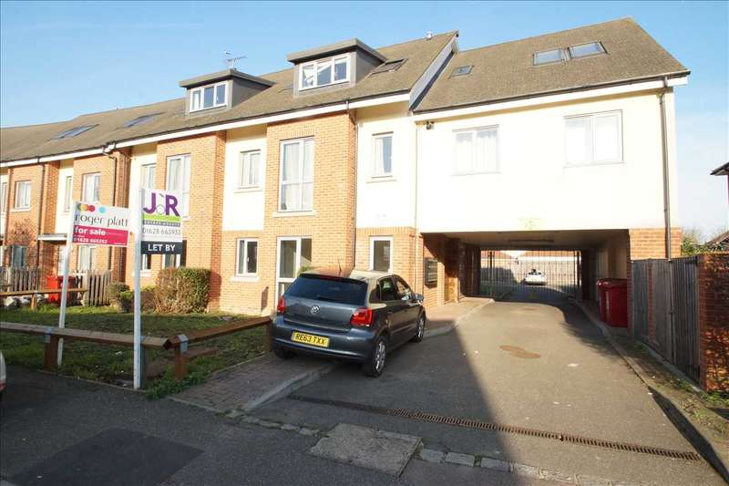 2 Bedrooms Apartment Flat for sale in Lincoln Way, Cippenham, Slough