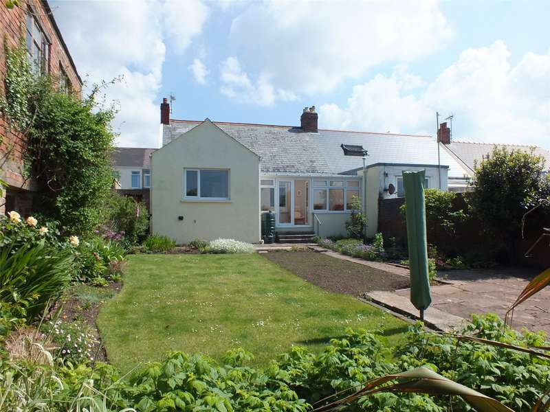 3 Bedrooms Semi Detached Bungalow for sale in Honeyboro, Edward Street, Milford Haven, Pembrokeshire