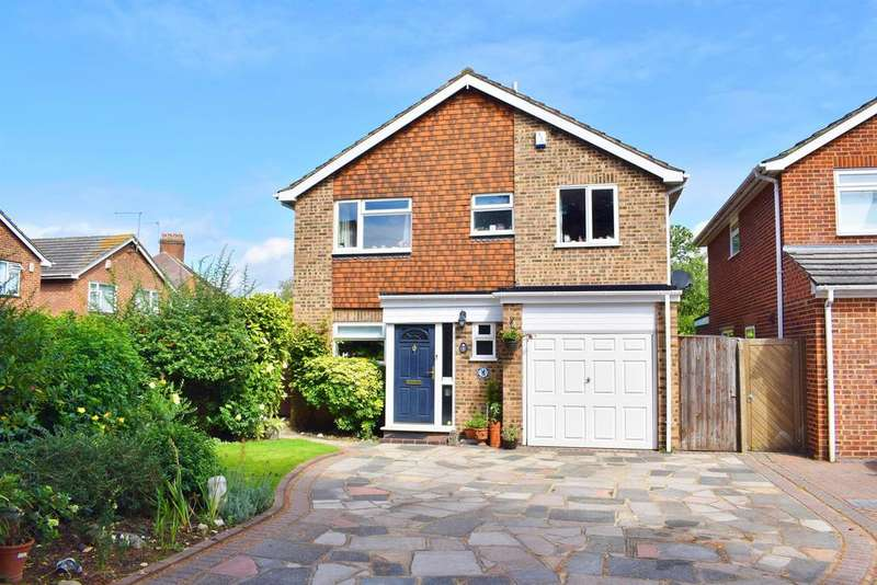 4 Bedrooms Detached House for sale in Rosewood Close, Sidcup, Kent, DA14 4LP