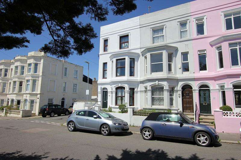 3 Bedrooms End Of Terrace House for sale in Priory Road, Hastings, East Sussex.