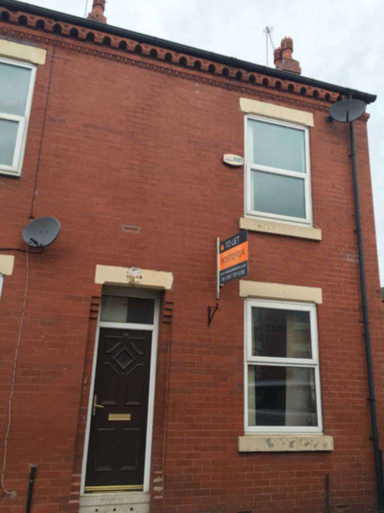 5 Bedrooms Terraced House for sale in Langton Street, Salford