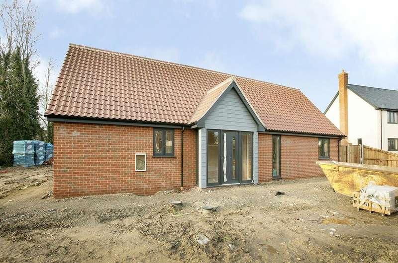 3 Bedrooms Detached Bungalow for sale in Melton Meadow, Great Ellingham