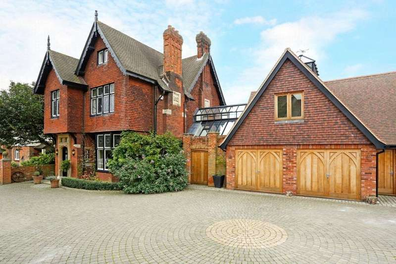 5 Bedrooms Unique Property for sale in Stondon Road, Ongar, Essex, CM5