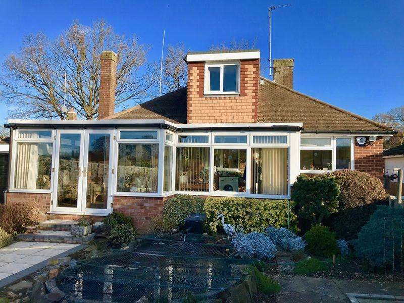 3 Bedrooms Detached Bungalow for sale in Caddington, CHAIN FREE