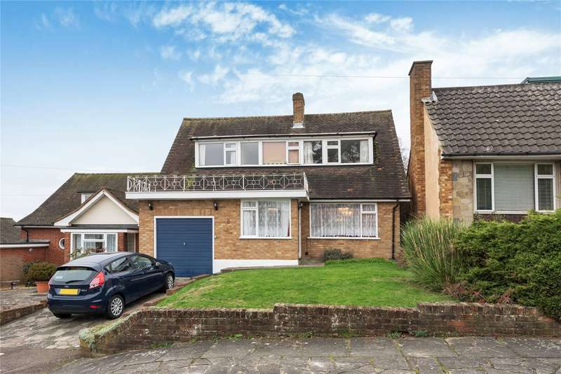 3 Bedrooms Detached House for sale in Firs Drive, Loughton, Essex, IG10