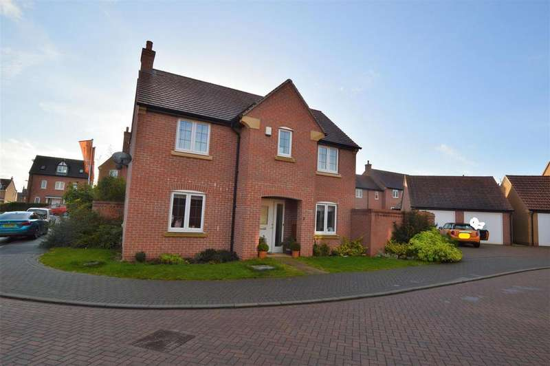 3 Bedrooms Detached House for sale in Leslie Yoxall Drive, Loughborough