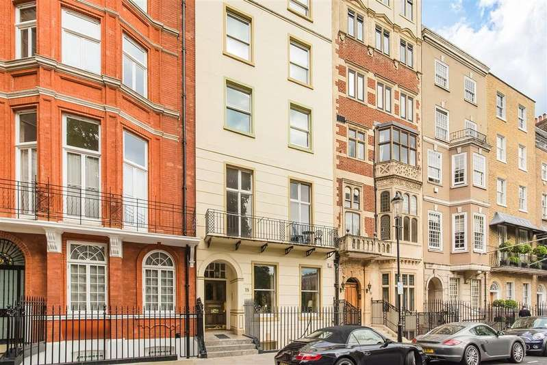 2 Bedrooms Flat for sale in Cadogan Place, SW1X