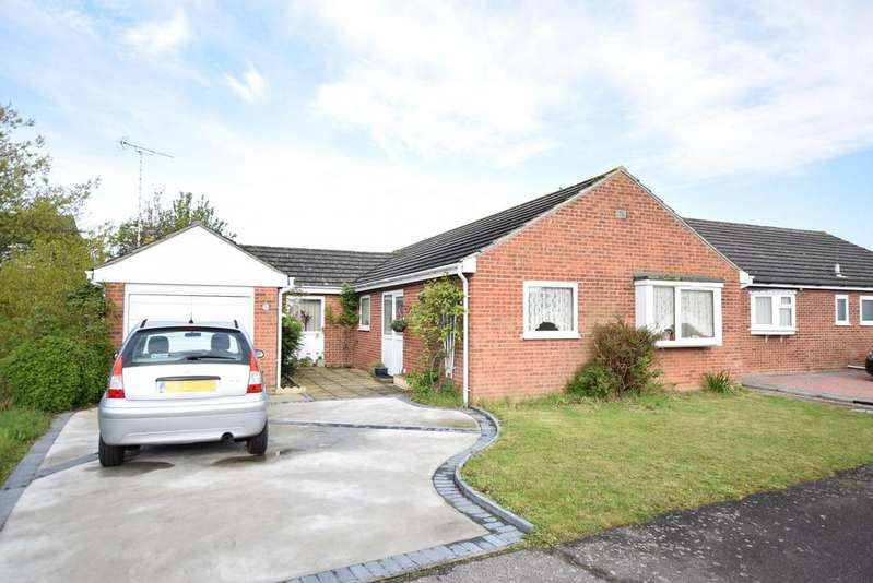 4 Bedrooms Detached Bungalow for sale in Sudbourne Avenue, Clacton-on-Sea
