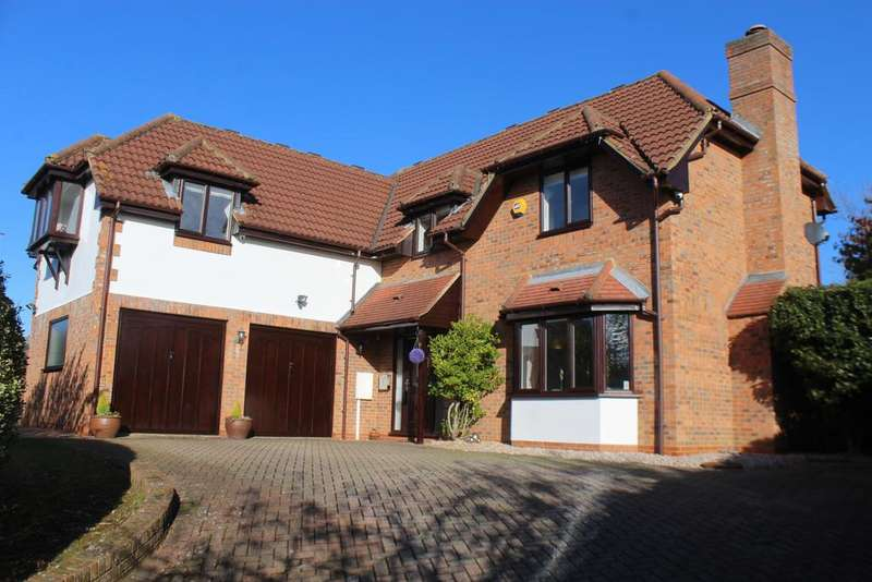 5 Bedrooms Detached House for sale in Simpson Road, Walton Park, Milton Keynes MK7