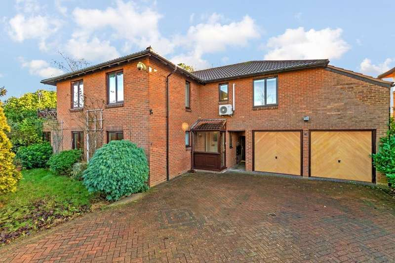 5 Bedrooms Detached House for sale in Milton Keynes