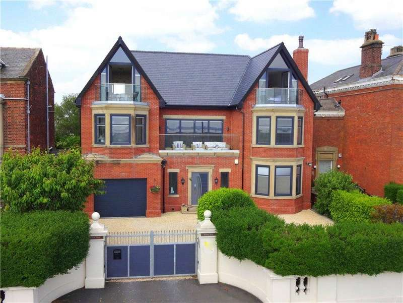 5 Bedrooms Detached House for sale in East Beach, Lytham, Lancashire, FY8