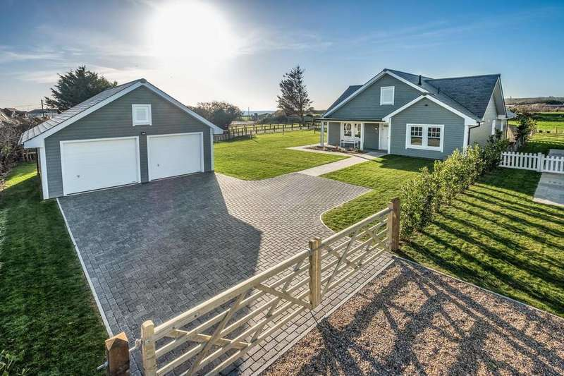 3 Bedrooms Detached House for sale in Bembridge, Isle of Wight