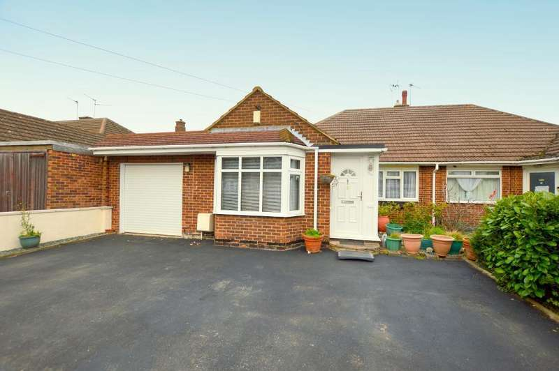 3 Bedrooms Bungalow for sale in Rossfold Road, Luton, LU3 3HJ