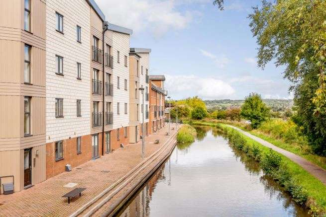 2 Bedrooms Apartment Flat for sale in Quay Side, Stoke-on-Trent, Staffordshire, ST1 3DQ