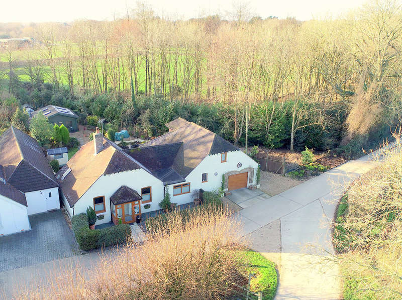 3 Bedrooms Detached House for sale in Calceto Lane, Lyminster