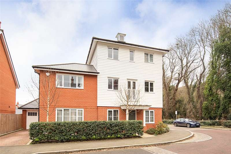 4 Bedrooms Detached House for sale in Sierra Road, High Wycombe, Buckinghamshire, HP11