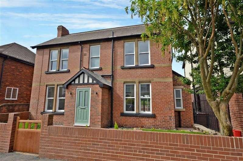 5 Bedrooms Detached House for sale in Park Avenue, Castleford, West Yorkshire