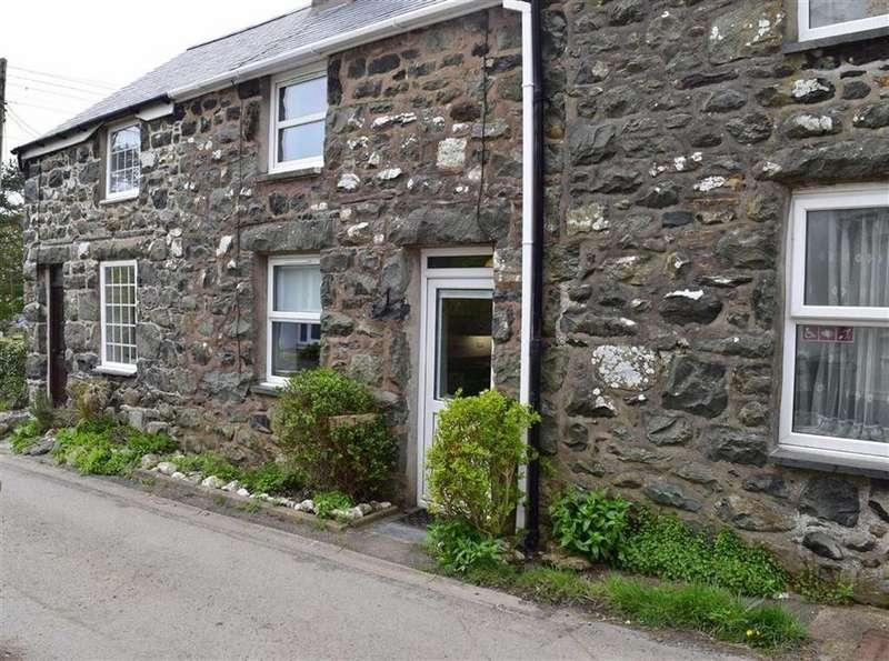 2 Bedrooms Terraced House for sale in Llys Tawel, 11, Meirion Terrace, Llwyngwril, Gwynedd, LL37