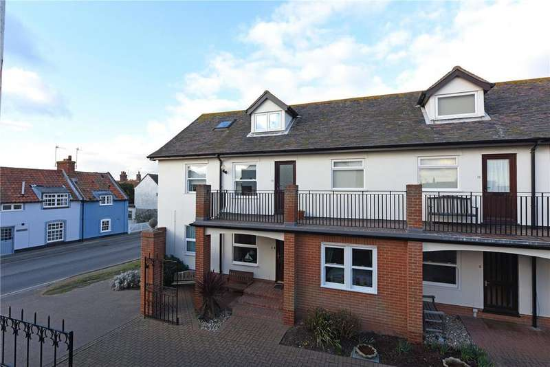 2 Bedrooms Flat for sale in Coastguard Court, High Street, Aldeburgh, Suffolk, IP15