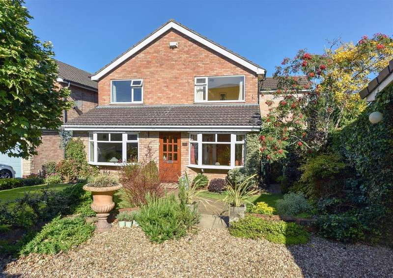 4 Bedrooms Detached House for sale in Firth Park Crescent, Halesowen