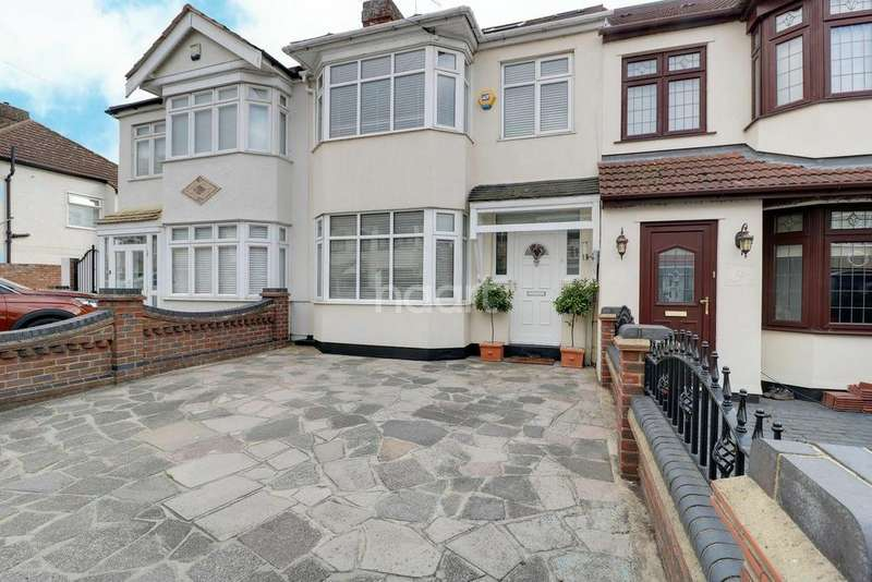 4 Bedrooms Terraced House for sale in Barton Avenue, Rush Green, Romford