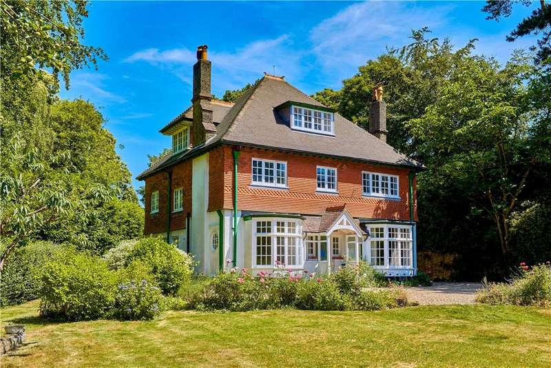 5 Bedrooms Detached House for sale in Churt Road, Hindhead, Surrey, GU26