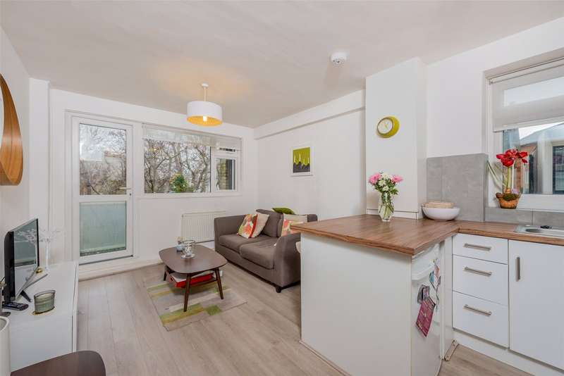 1 Bedroom Apartment Flat for sale in Lindsay Court, Battersea High Street, London, SW11