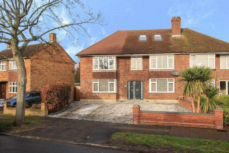 6 Bedrooms Semi Detached House for sale in Ellingham Road, Hemel Hempstead