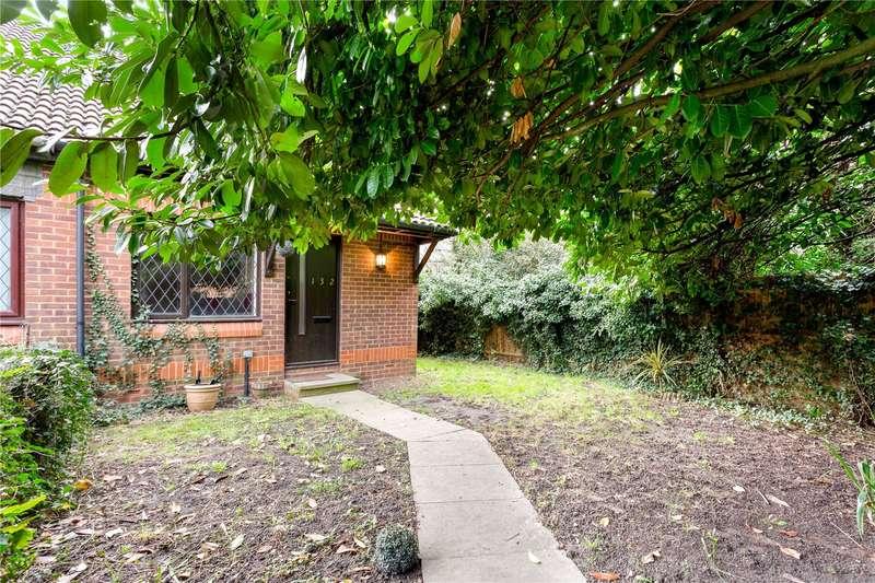 1 Bedroom Semi Detached House for sale in Cobb Close, Datchet, Berkshire, SL3