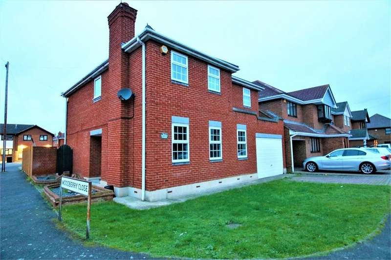 4 Bedrooms Detached House for sale in Derventer Avenue, CANVEY ISLAND, Essex