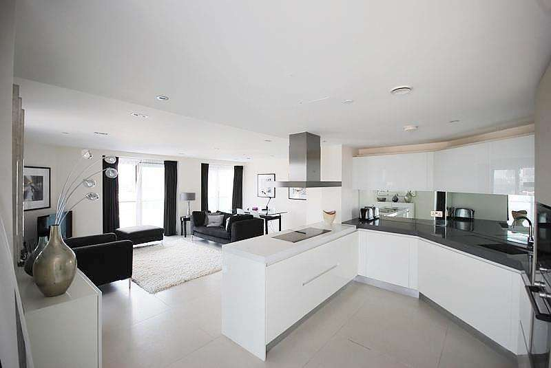 2 Bedrooms Apartment Flat for sale in Bezier Apartments, 91 City Road, Old Street, London, EC1Y