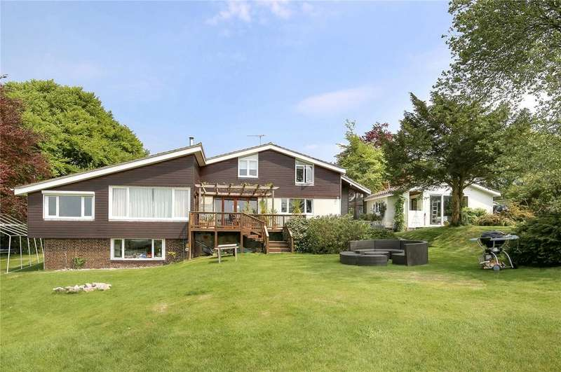 4 Bedrooms Detached House for sale in Stapley Lane, Ropley, Alresford, Hampshire, SO24