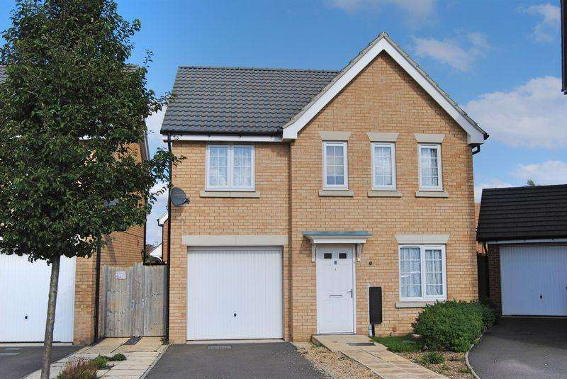4 Bedrooms Detached House for sale in Burrows Close, Grantham