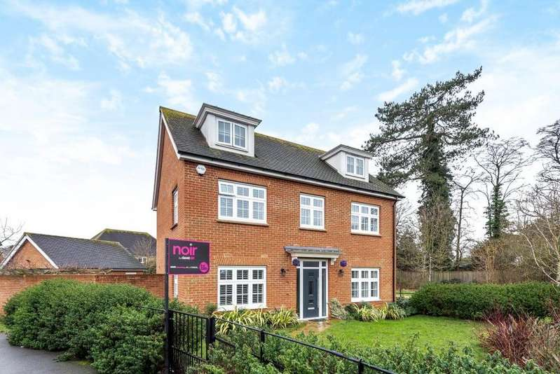 5 Bedrooms Detached House for sale in Goldcrest Road, Bracknell, RG12