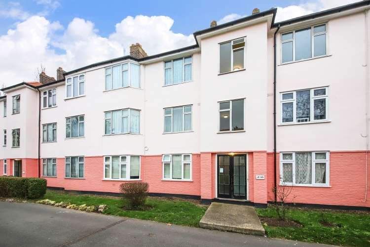 2 Bedrooms Flat for sale in Chinbrook Road Grove Park SE12