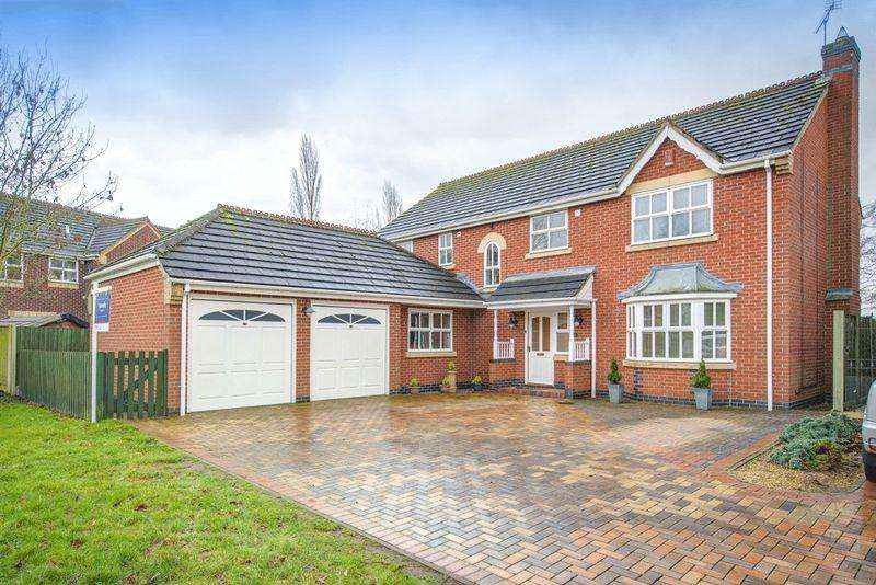 5 Bedrooms Detached House for sale in Golf Close, Derby