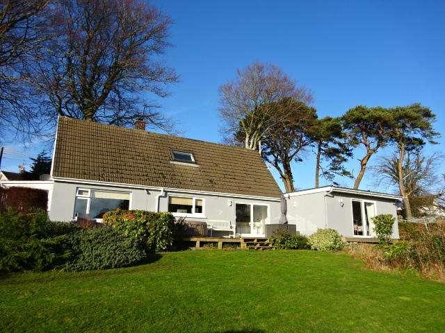 5 Bedrooms Detached House for sale in LON GANOL, LLANDEGFAN LL59