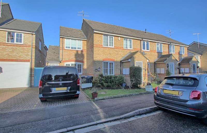 5 Bedrooms Semi Detached House for sale in TAMWORTH ROAD, HERTFORD - 4/5 BEDROOMS