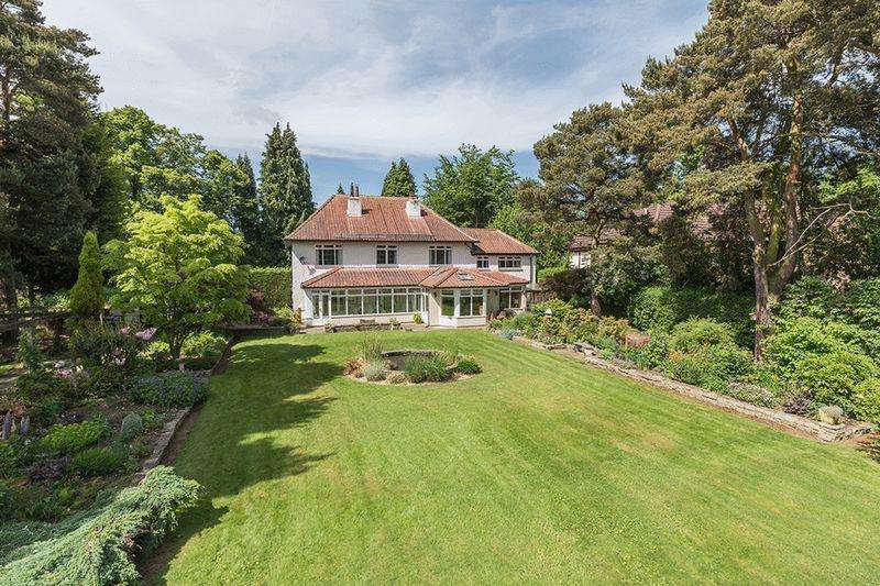 5 Bedrooms Detached House for sale in Runnymede Road Darras Hall, Ponteland Newcastle upon Tyne