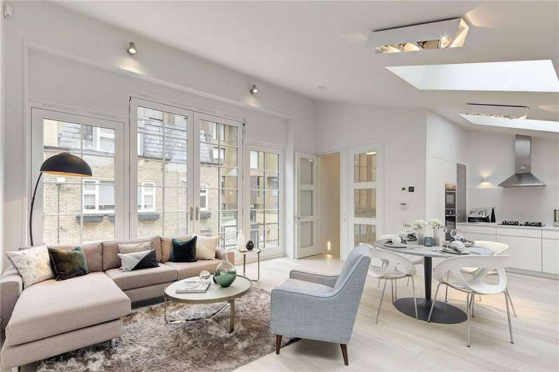3 Bedrooms Mews House for sale in Bridford Mews, London, W1W