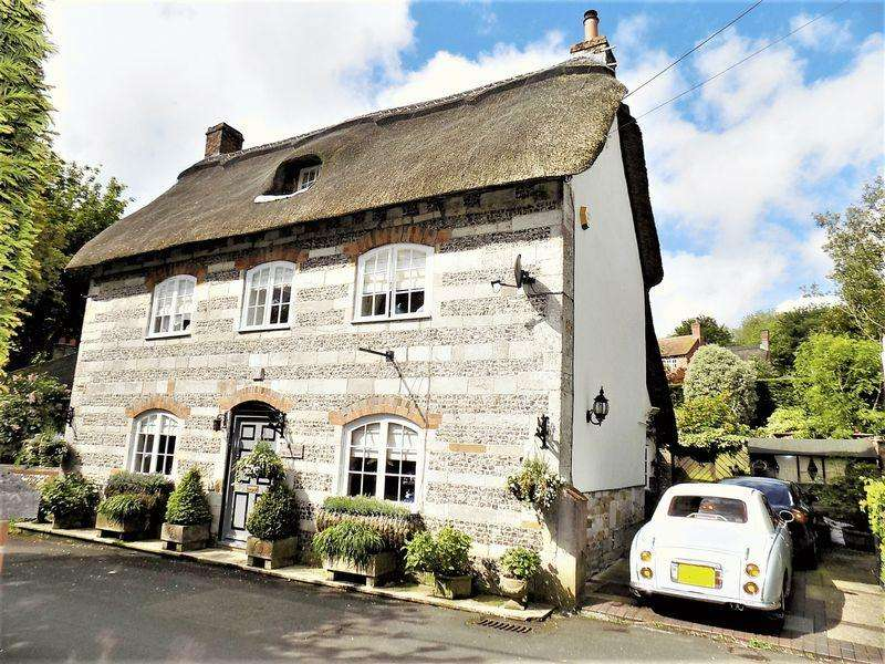 4 Bedrooms Detached House for sale in Chapel Street, Milborne St Andrew, Dorset