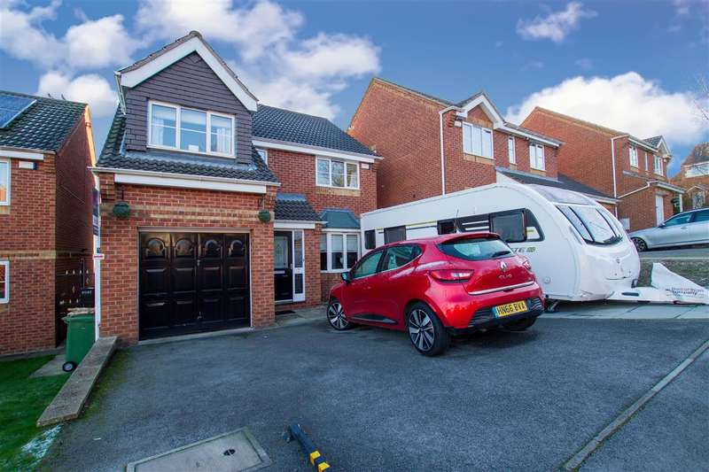 4 Bedrooms Property for sale in Birley Spa Close, Sheffield