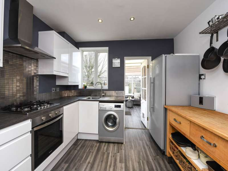 2 Bedrooms House for sale in Kenyngton Drive, Sunbury-on-Thames,
