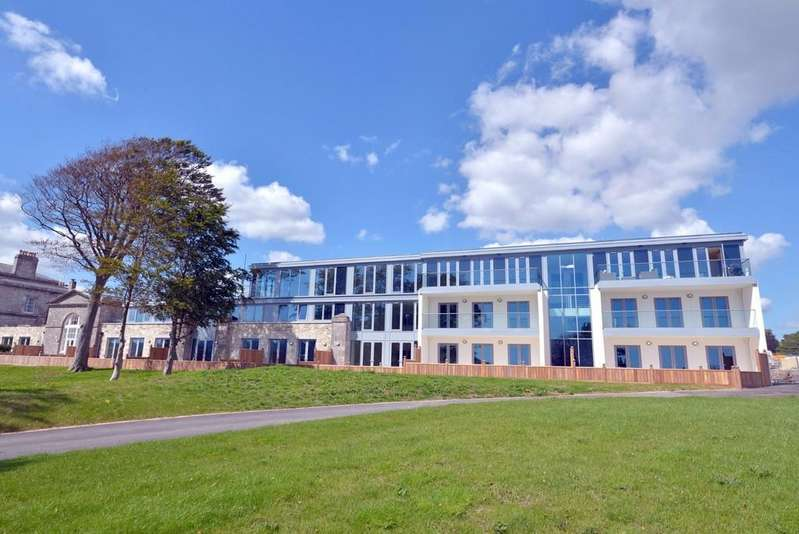 2 Bedrooms Flat for sale in Maritime Square, Mount Wise, Plymouth