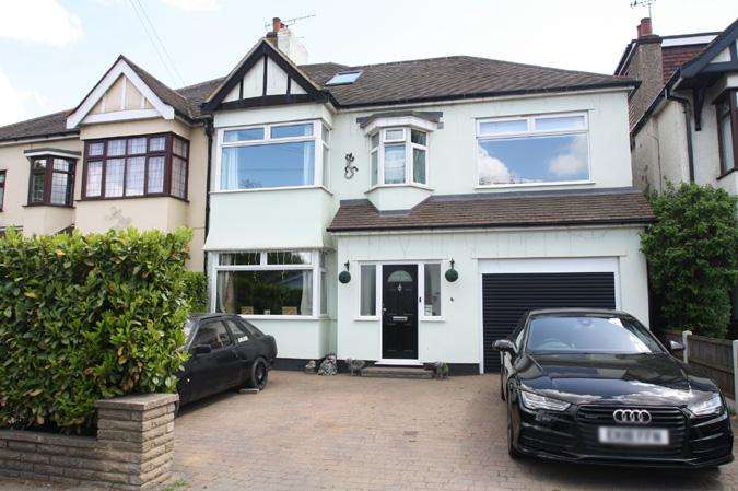 6 Bedrooms Semi Detached House for sale in Prittlewell, Southend-on-sea SS2