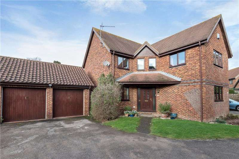 4 Bedrooms Detached House for sale in Aldrich Drive, Willen, Milton Keynes, Buckinghamshire
